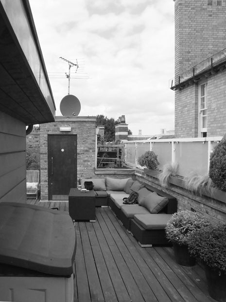 Roof terrace before and after mylandscapes rooftop designers for Roof terrace definition