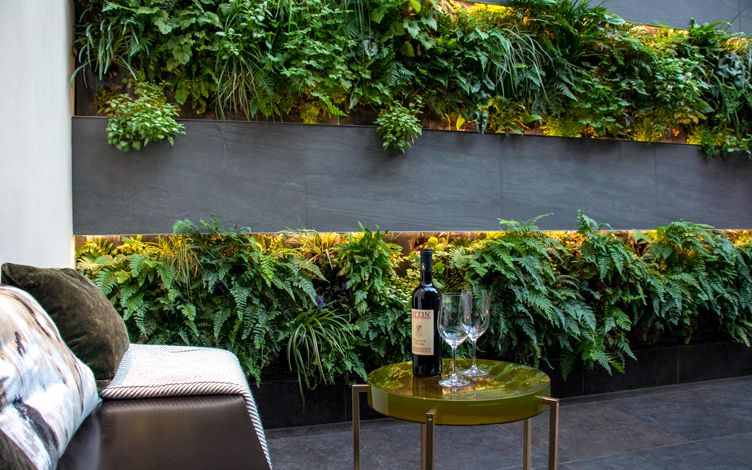 Modern green wall garden design London | Mylandscapes ...
