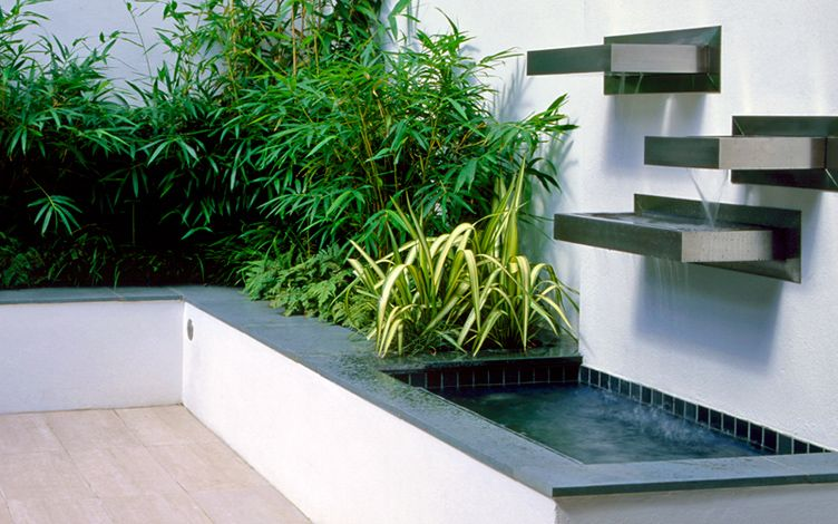 modern water feature courtyard landscaping