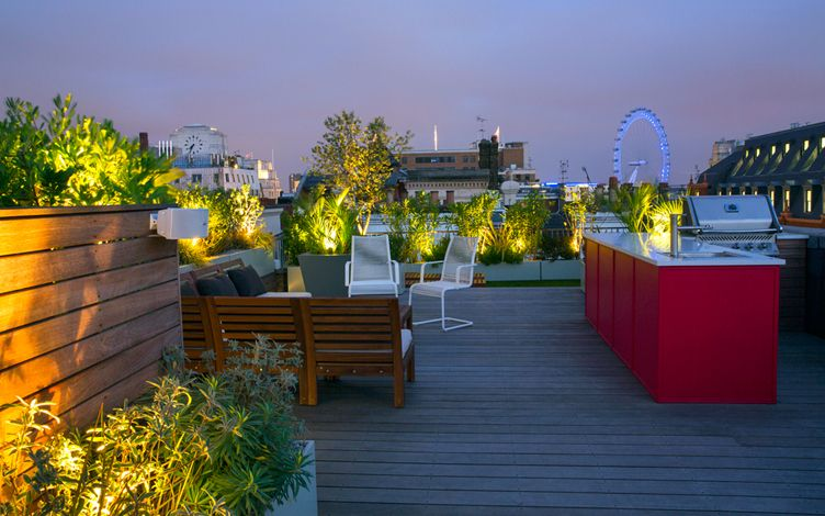 Roof gardens portfolio contemporary garden designers london for Garden on rooftop designs