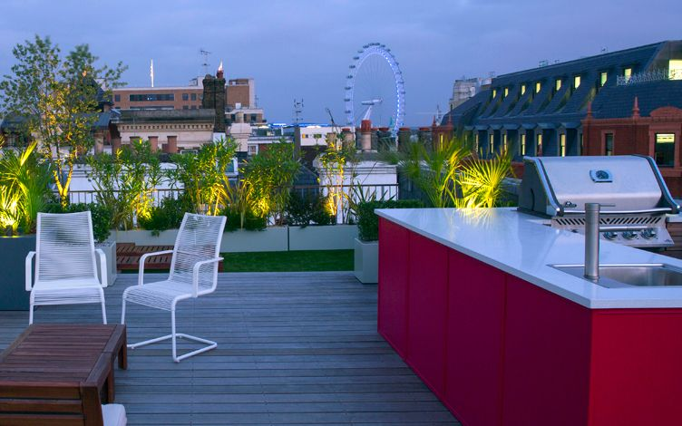 Roof garden design contemporary roof gardens london for Hobo designs covent garden