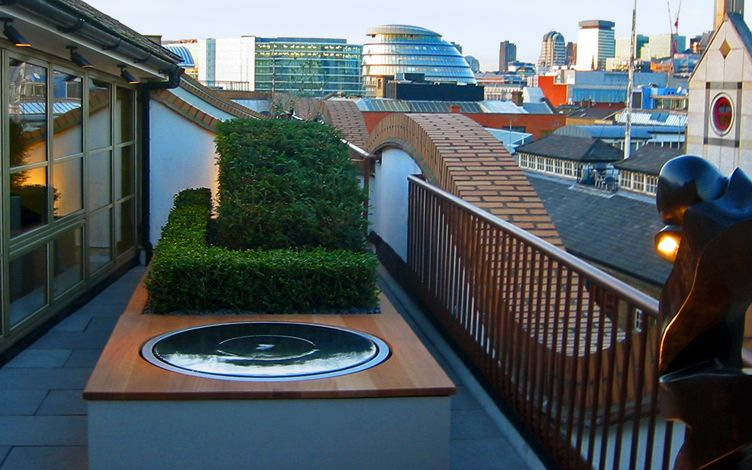 roof terrace view city hall london