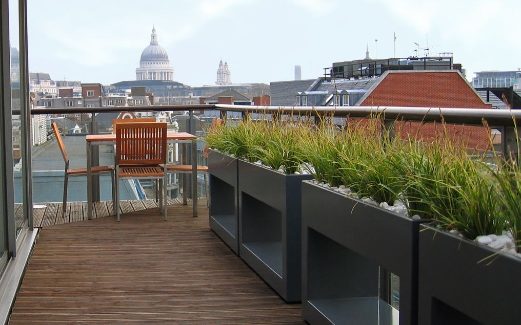 Rooftop landscaping clerkenwell roof terrace mylandscapes for Apartment design with terrace